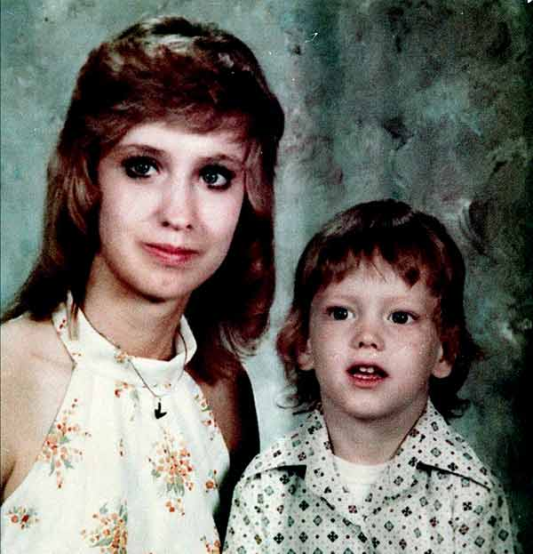 Image of Deborah Nelson Mathers with her son Eminem